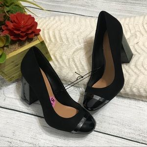 Calvin Klein Carlia Block Heel Pumps New Size 5.5